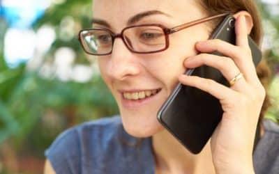 Pourquoi mon enfant ne me laisse-t-il jamais tranquille quand je suis au téléphone ?